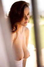 Elizabeth Marxs Gets Nude-00