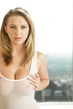 Brooke Wylde Shows Her Big Boobs-06