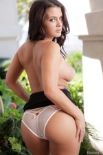 Keisha Grey Takes Off Her Sexy Dress-07
