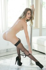 Naughty Pole Dancer Kimmy Granger-12