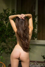 Naturally Busty Vanda Mey-13