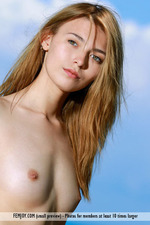 Naked Lovely Niki Posing Outdoor-05