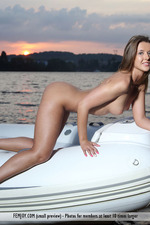 Naked Cute Davina Posing On A Boat-04