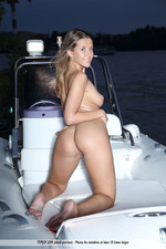 Naked Cute Davina Posing On A Boat-09