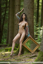 Busty Jasmine Posing Nude In The Forest-05