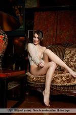 Slim Naked Lisia-02