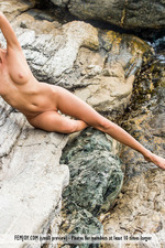 Naked Sexy Clover Posing By The Sea-10