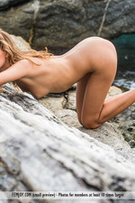 Naked Sexy Clover Posing By The Sea-11