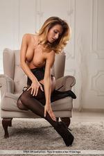 Beautiful Busty Rena-02