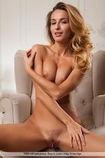 Beautiful Busty Rena-06