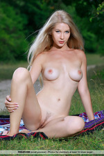 Blonde Angel Is Naked Outdoor-06