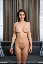 Alisa Shoes Her Perfect Big Tits-09