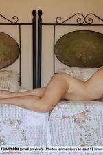 Serena Gets Naughty And Naked-06