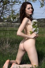 Outdoor Nudity With A Sexy Brunette-03