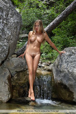 Busty April Is Naked Outdoor-05