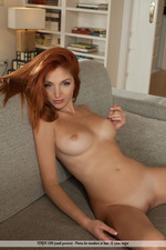 Naked Lovely Redhead With Sexy Curves-14