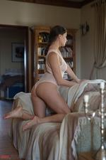 Francesca Dicaprio-00
