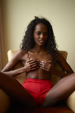 Ebony pussy massage-03