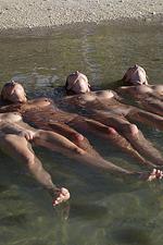 Naked sexy beach girls-05