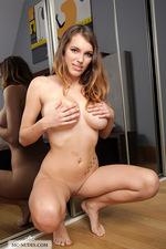 Busty brunette chick-07