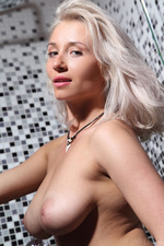 Busty Blonde Isabella Takes A Hot Shower-08