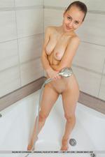 Cute Teen Nalina Takes A Hot Shower-08