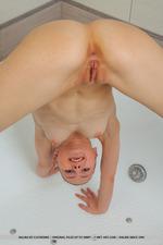 Cute Teen Nalina Takes A Hot Shower-09