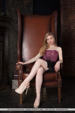 Sweet Blonde Lola Chic -01