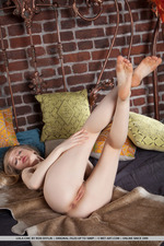 Sweet Blonde Lola Chic -17