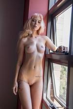 Sexy Blonde Uma-07