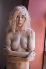 Sexy Blonde Uma-11