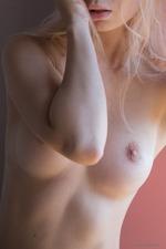 Sexy Blonde Uma-16