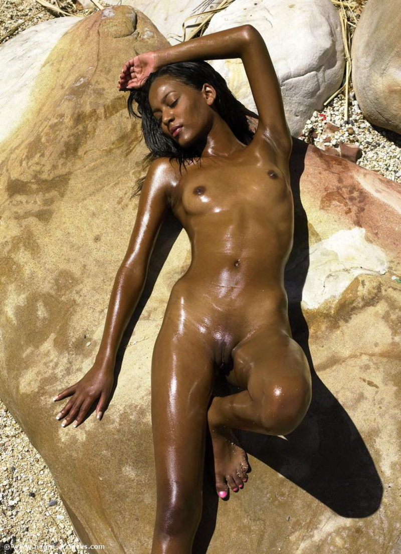 Nude Ebony Pic Of The Day