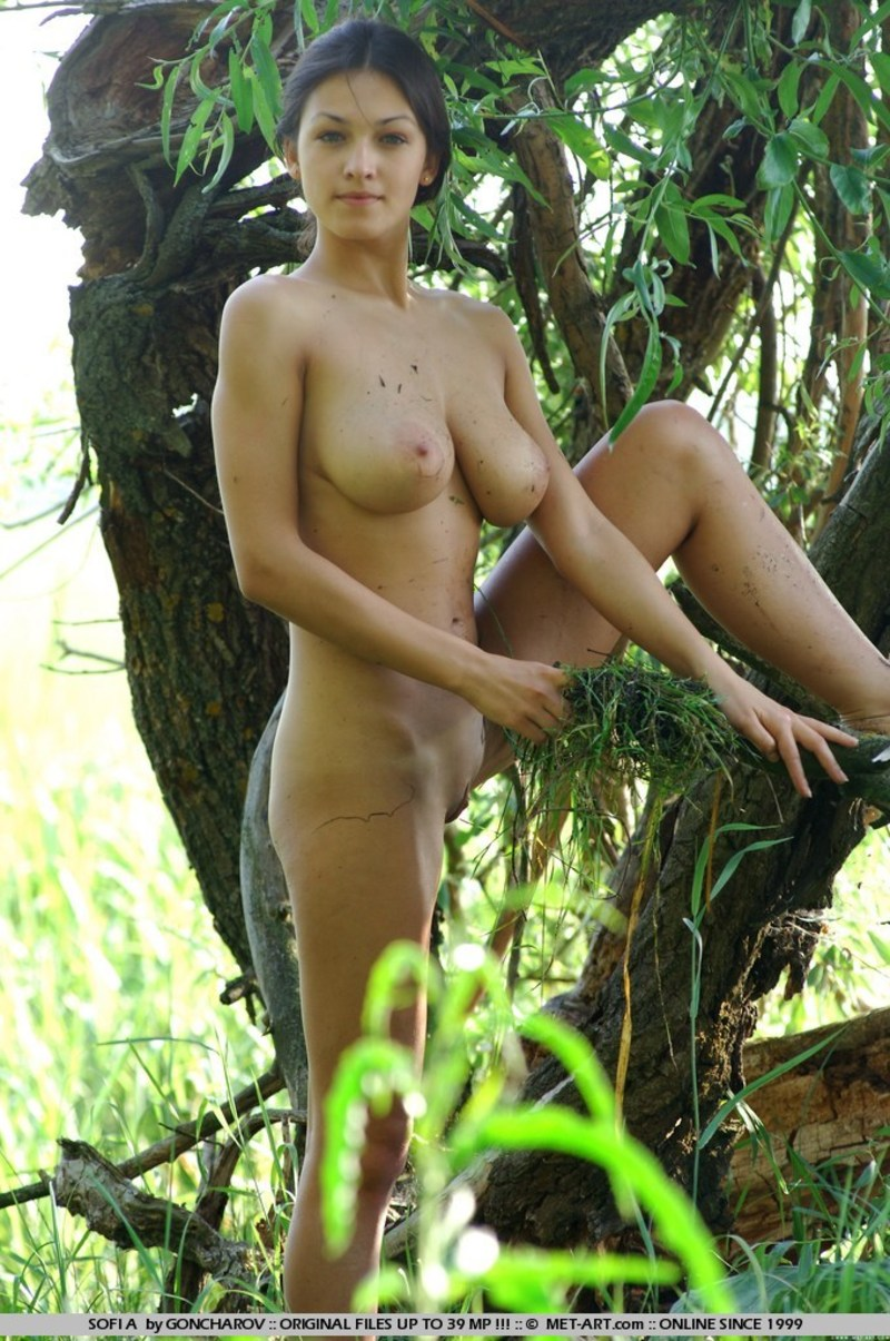 Nude girl in swamp hentay movie