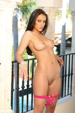 Naked hot assed model Rebecca Lynn-09