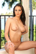 Naked hot assed model Rebecca Lynn-19