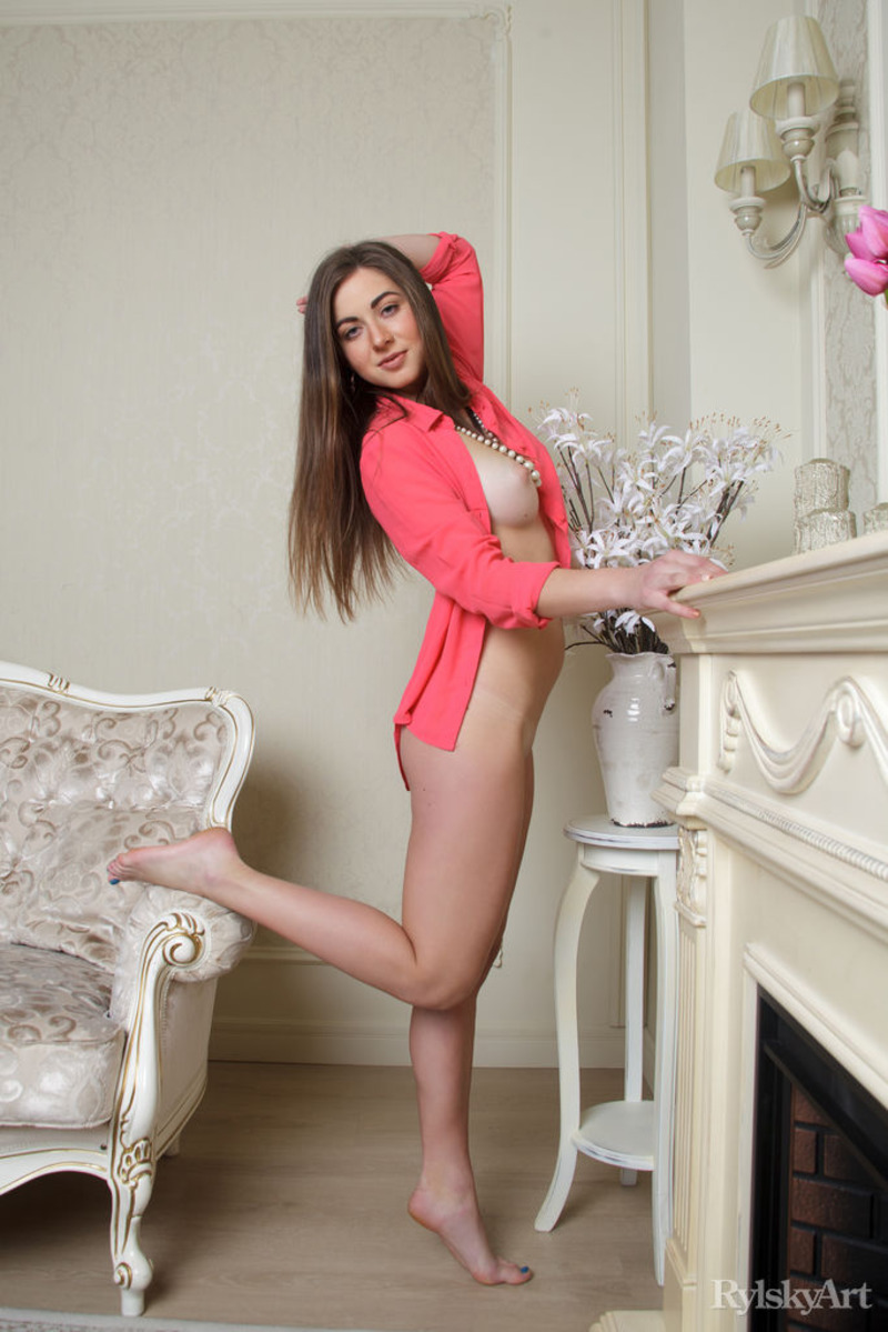 Beautiful Yamina Shows Her Hot Naked Body-11