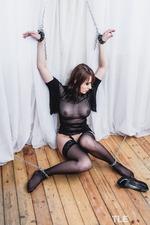 Kinky Busty Girl Selena-01