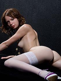 Naked girl Kylie
