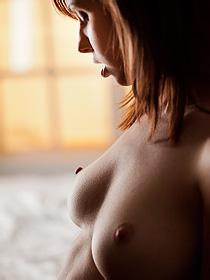 Hayden Winters gets nude