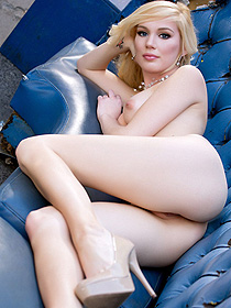 Hayden Hawkens Posing Nude