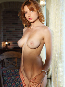 Redhead Model Kika Is Totally Nude