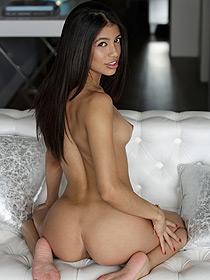 Naked Latina Veronica Rodriguez