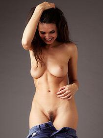 Karmen Gets Nude
