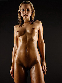 Jenny Is Nude In The Studio
