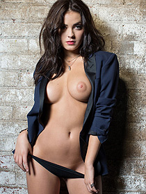 Alexandra Tyler Poaing For Playboy