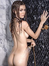 Amber Leigh Takes A Shower