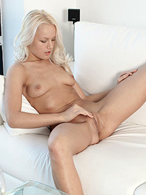 Cristie Playing With Her Sweet Pussy
