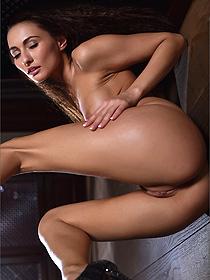 Naked Girl Michaela Isizzu In Glitz