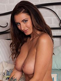 Sammy Braddy Shows Her Big Boobs